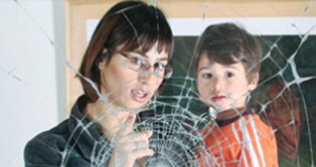 Gröger Sicherheitshaus Sicherheitsfolien Mutter mit Kind